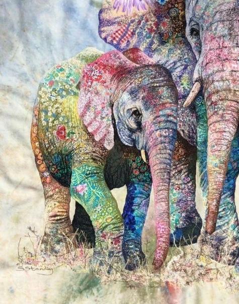 Софи Стэндинг (Sophie Standing создает интересные и сложные коллажи из ткани, прорабатывая детали на швейной машине. Художница родилась в Англии, а затем перебралась в ЮАР. Именно жизнь в Африке