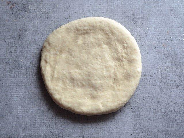 Фото: Тонкая основа для пиццы