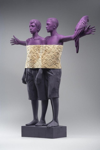Вилли Вердгинер родился 23 февраля 1957 года в Брессаноне, Италия Именно поэтому технику обработки дерева и создания из него скульптурных изображений он почерпнул из опыта традиций