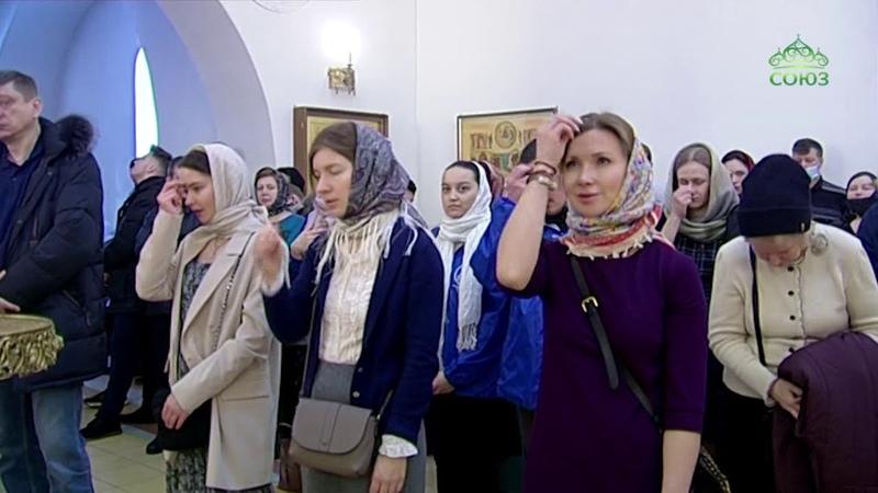 В Москве в храме иконы Божией Матери Неопалимая Купина состоялось богослужение с участием молодежи