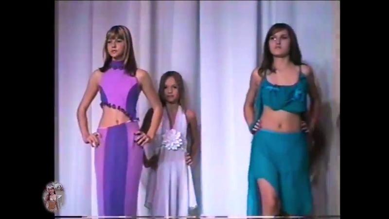 Дефиле Юных Моделей Defile Young Models Contaminad Jóvenes Modelos