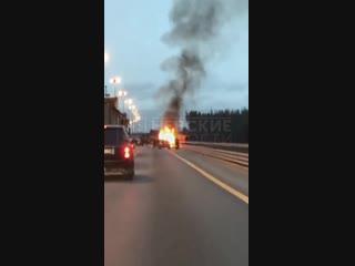 Появилось видео страшной аварии с горящим авто на ЗСД