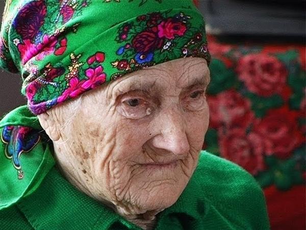 100-річна бабця співає пісень - Джурків Коломийського р-ну