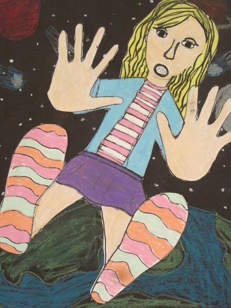 Рисуем автопортрет в необычном ракурсе На листке бумаги обводим руки и ноги, а затем дорисовываем все остальное. Получается интересная иллюзия - как будто парим в