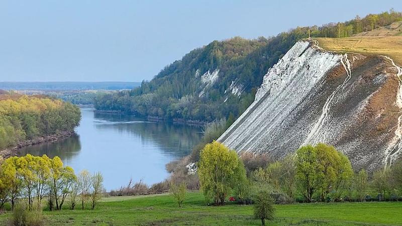 Монастырь над рекой Белогорье