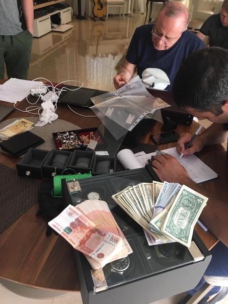 Сергей Сидаш, несмотря на арест, сохранил пост замгубернатора Ростовской области В руководстве региона пока не видят оснований для его увольнения.Заместитель губернатора Ростовской области