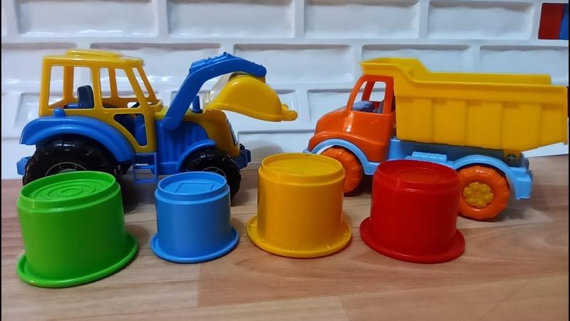 Синий трактор едет к нам в песочницу играть и лепить куличики Развивающее видео для детей