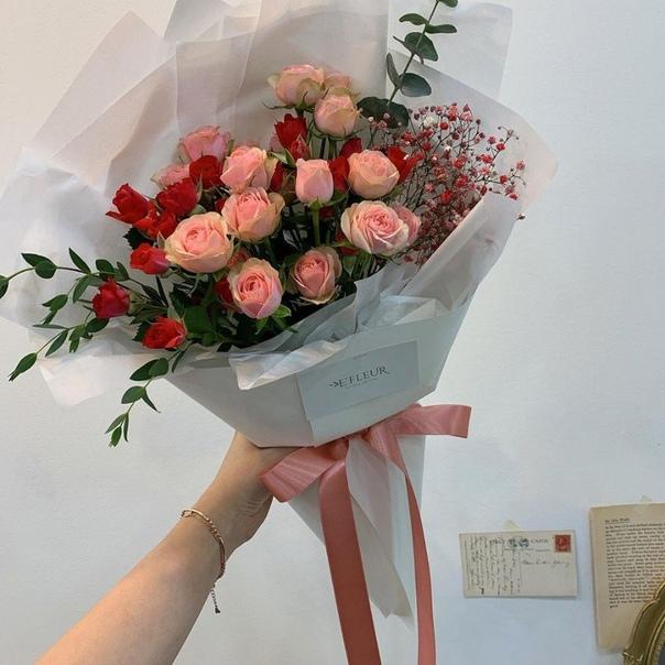 Доставка цветов, просто подари ей цветы