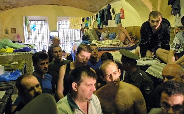А вот и повод гордиться Россией! По состоянию на июль 2019 года в местах лишения свободы и СИЗО находится более 543 тысяч россиян, что, для сравнения, больше чем в Германии и Франции вместе