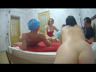 Очередная встреча русских свингеров (домашнее частное русское порно, amateur russian, swingers)