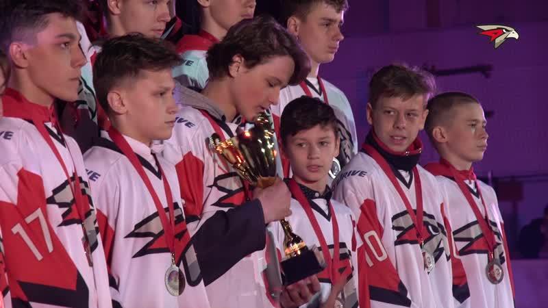 Школа выступила великолепно Закрытие сезона в хоккейной школе Авангард