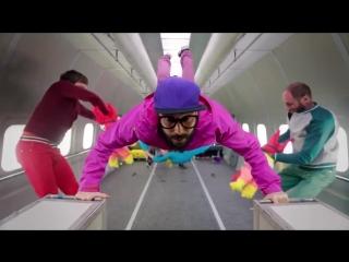 Deep House presents: Музыкальный клип снятый в невесомости [OK Go - Upside down  Inside Out]  [HD 720]