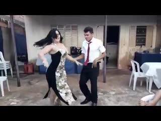 Жаркие танцы Нетипичная Махачкала