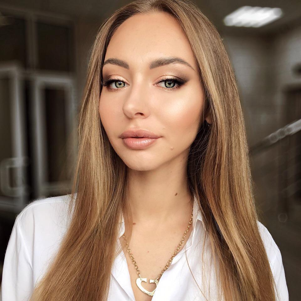 Всем привет Я в поиске моделей на макияж для отработки новых техник и пополнения портфолио!