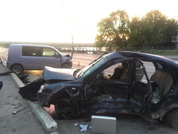 Из-за пьяного водителя мама погибла прямо на глазах своих маленьких детей. Случай произошел вчера ночью в Перми. 29-летний мужчина на Ладе Калине выехал на пересечение улиц Попова и Акулова и не
