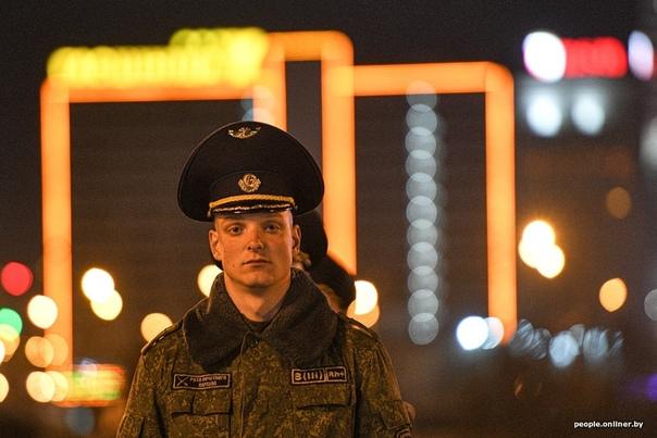 В Минске продолжаются репетиции военного парада к 9 Мая. .