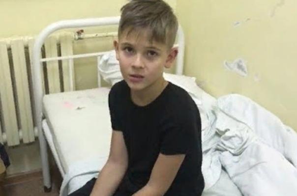 Школьники жеcтоко избили одноклассника в Нижнем Новгороде В Нижнем Новгороде ученика младших классов жестоко избили одноклассники. Мальчик в больнице, а в школе родителям сказали, что это