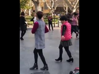 Китайские уличные танцы