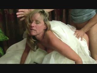 Jodi West. Сынок трахнул мамку в свадебном платье и кончил на неё. зрелка милфа матура мачеха инцест семейка хардкор порно
