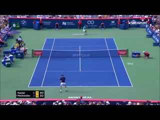 Медведев за весь турнир не проиграл ни сета, но Надаль оказался ему не по зубам