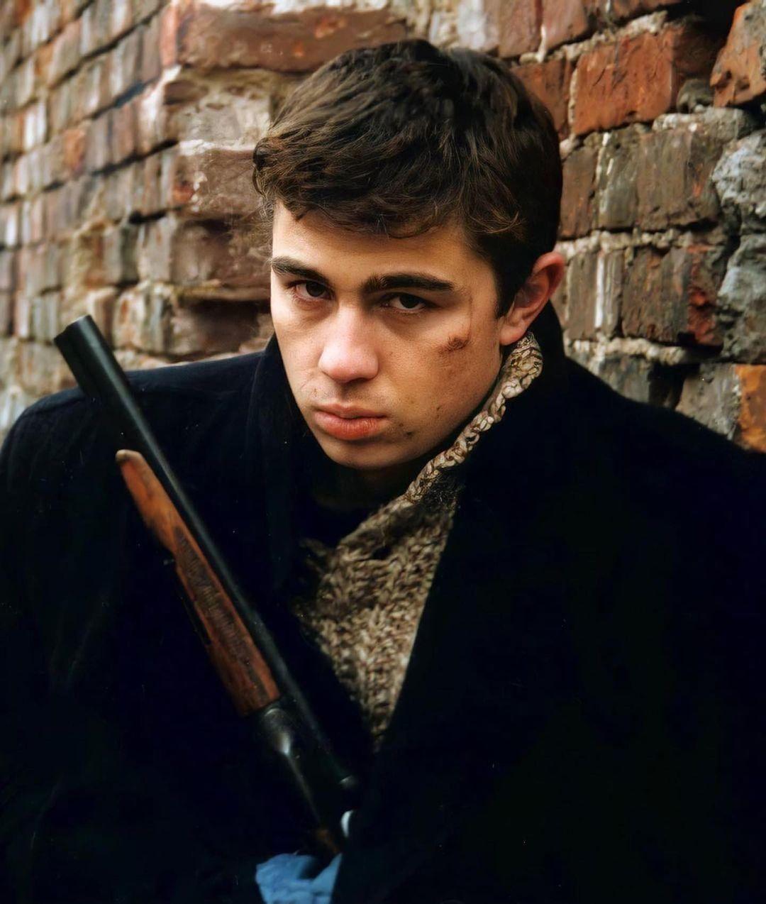 Ровно 19 лет назад актер и режиссер Сергей Бодров вместе со своей съемочной группой пропал без вести в Кармадонском ущелье во время схода ледника Колка.