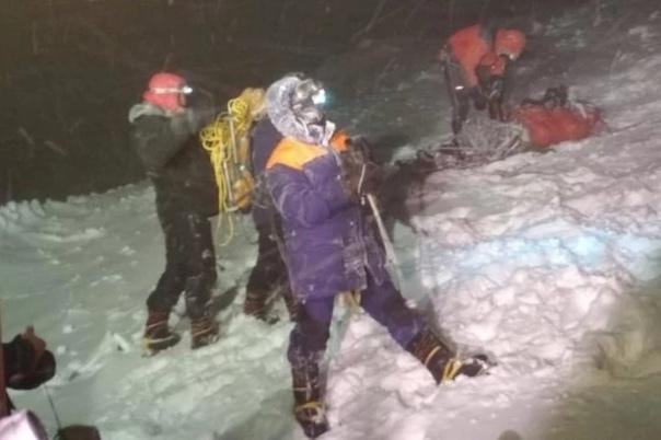 На Эльбрусе в результате бурана погибла 32-летняя ...