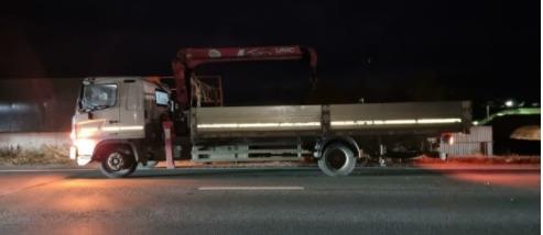 В Самарской области грузовик раздавил человека в т...