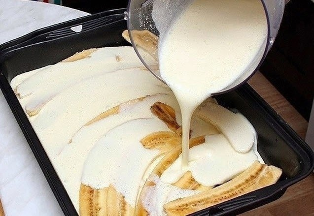 Бананы с творогом и йогуртом
