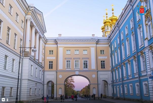 23 и 24 октября петербуржцы могут посетить новые э...