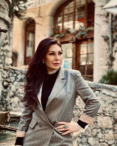 Наталья Бочкарева призналась, что ей неприятны интервью блогеров. Во всех интервью стало модно отвечать на вопрос: - Кто ваш кумир- Наталья