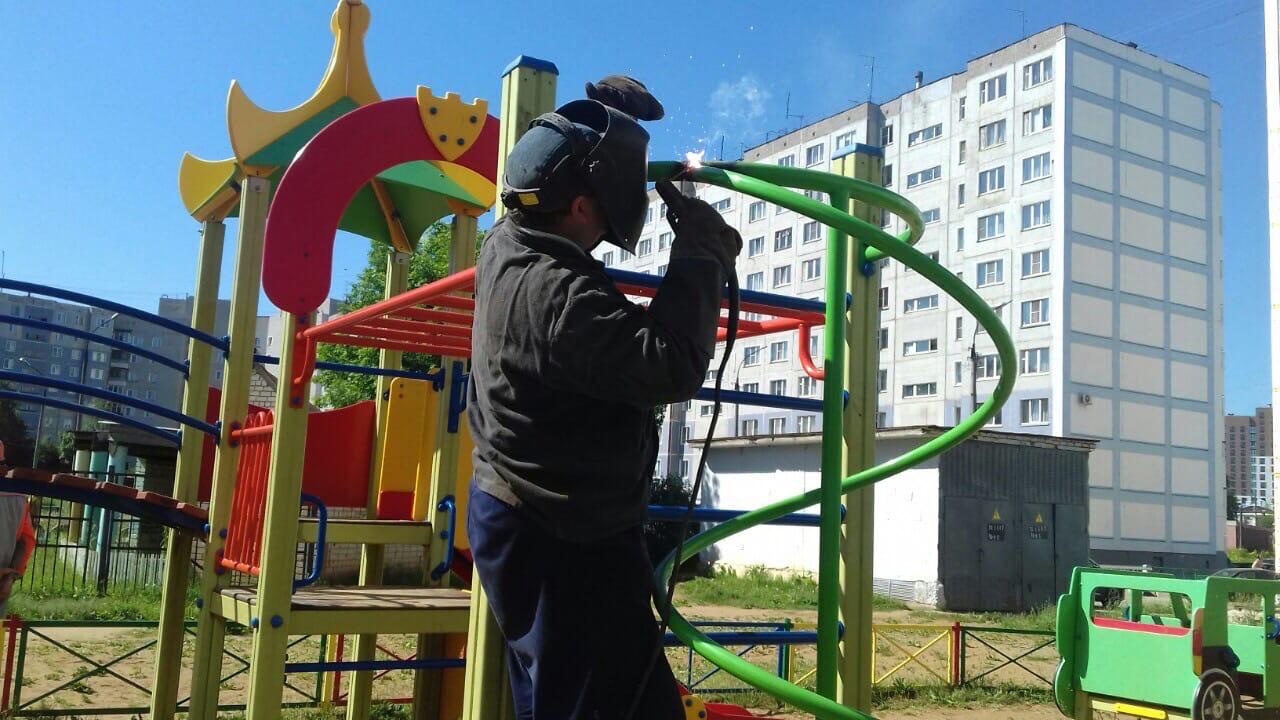 Ремонт металлической спирали на детской площадке улица