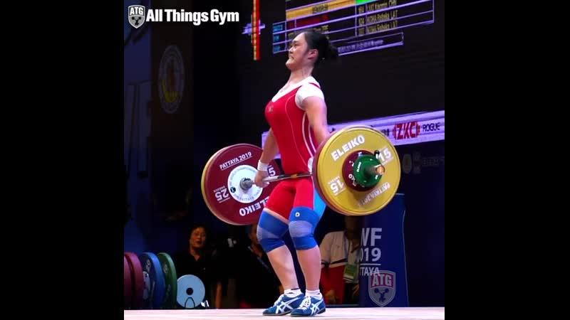 Choe Hyo Sim (59kg, North Korea 🇰🇵) snatching 107kg