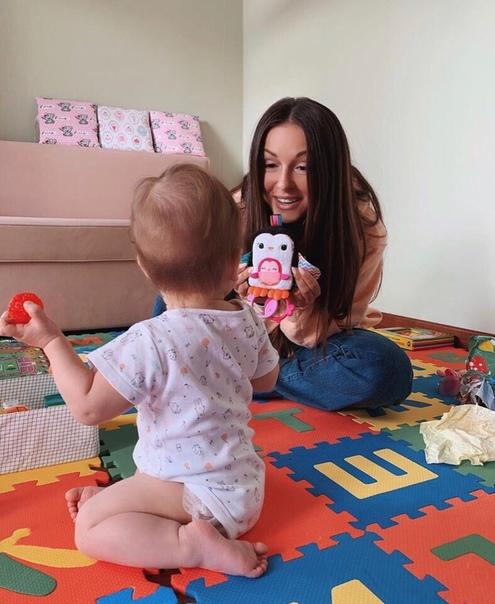 Нюша показала как проводит время с дочкой!