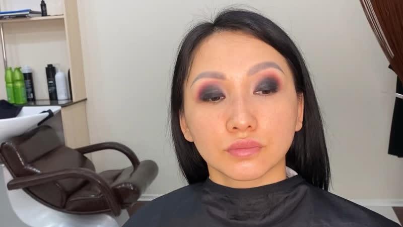 Видео процесс макияжа 😍Smokey