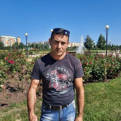Сергей, 42, Stroitel'