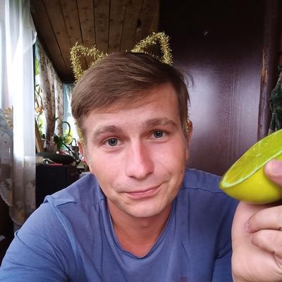 Илья Россиин