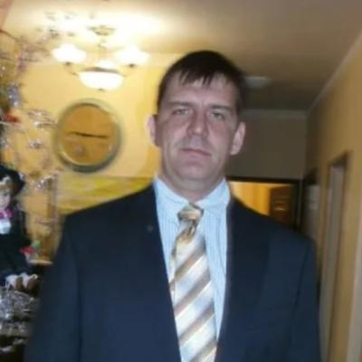 Aleksandr, 44, Andra