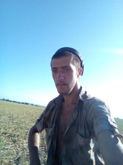 Konstantin, 28, Yevpatoriya