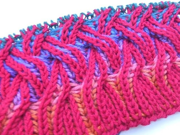 Knit with eliZZZa * Rainbow Cowl * Two Color Brioche Stitch with Cables