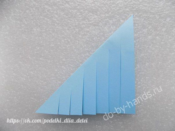 ИНТЕРЕСНАЯ СНЕЖИНКА Для работы потребуется: -лист бумаги; -ножницы;-карандаш; -линейка; -клей ПВА. Как сделать объемную снежинку из бумаги своими рукамиНа листе размечаем шесть квадратов со