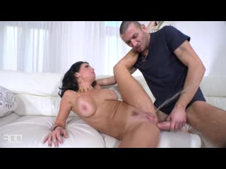 Fire extinguisher - Veronica Avluv