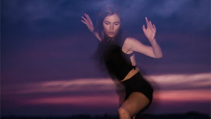 Царица техно Нина Кравиц правит танцевальной ойкуменой с горы Олимп (Греция)